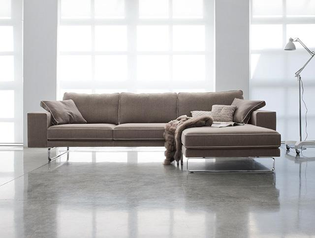 Incontri Arredo: com\'è fatto un divano di qualità?