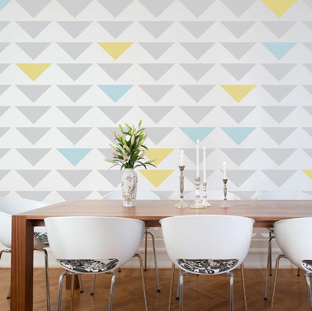 wall stencil a forma di tringoli colorati