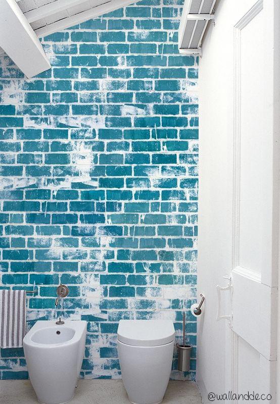Carta da parati in bagno: esempio.