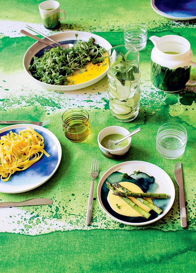 Marimekko Home tessuto per tovaglia verde.