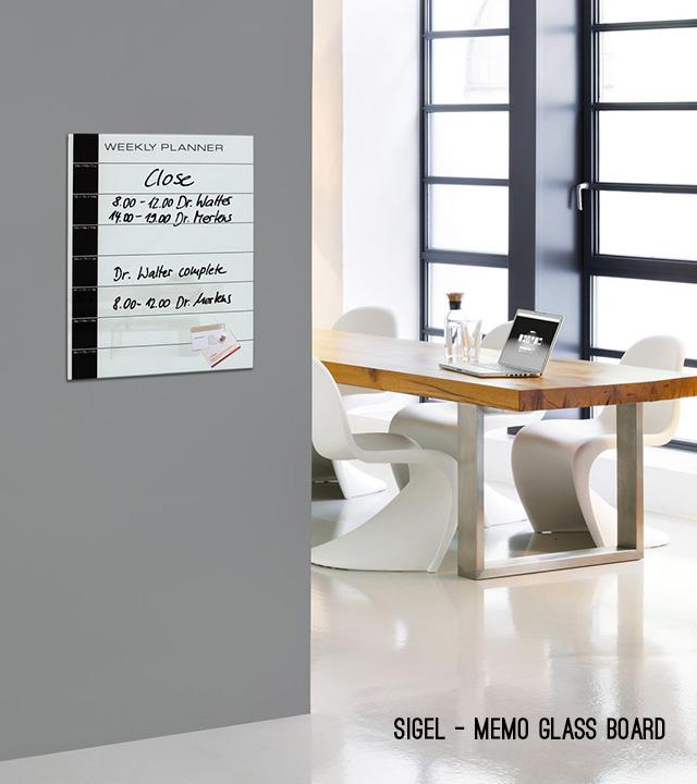 Sigel memo glass board.