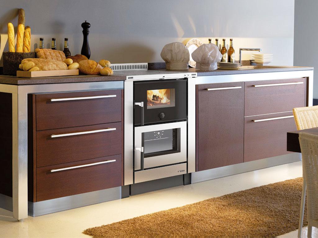 Cucine a legna moderne dalla tradizione al design for Cucine pertinger