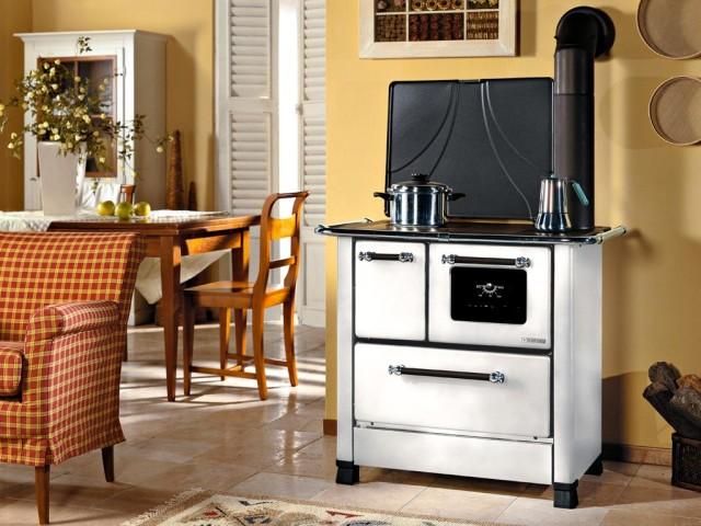 cucina a legna tradizinale - modello Romantica bianca