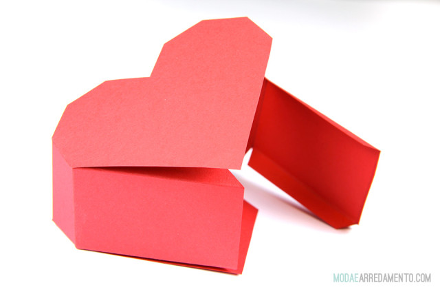 San Valentino tutorial: come fare cuore rosso in 3d.