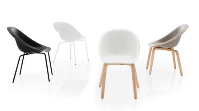 Hoop seduta design Karim Rashid per b-line Salone del Mobile 2016.