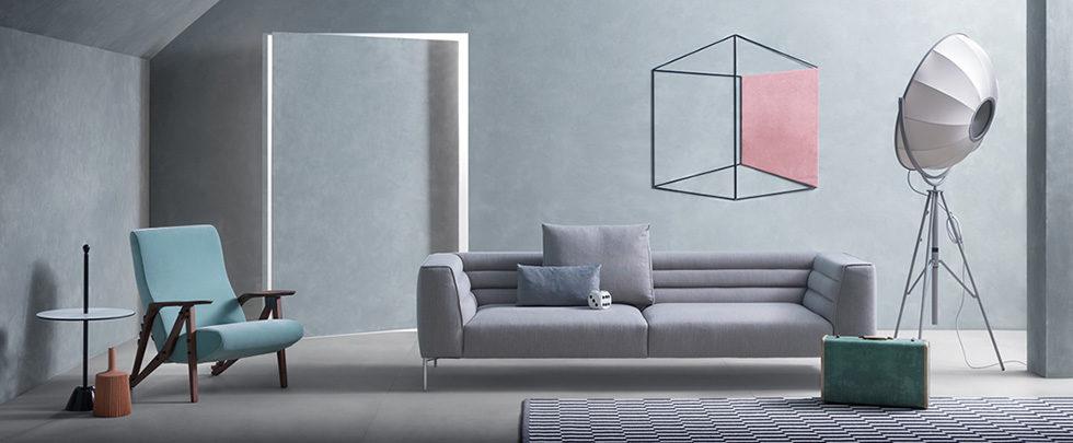 Zanotta Botero divano grigio lineare a tre posti.
