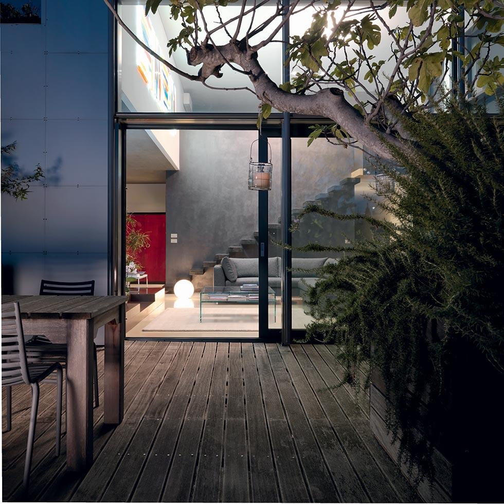 Illuminare il giardino: lampadine a led e altre soluzioni green.