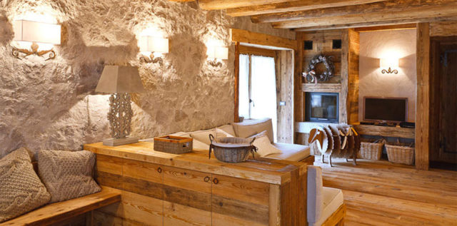 Arredare in montagna : legno vecchio e stile tradizionale.