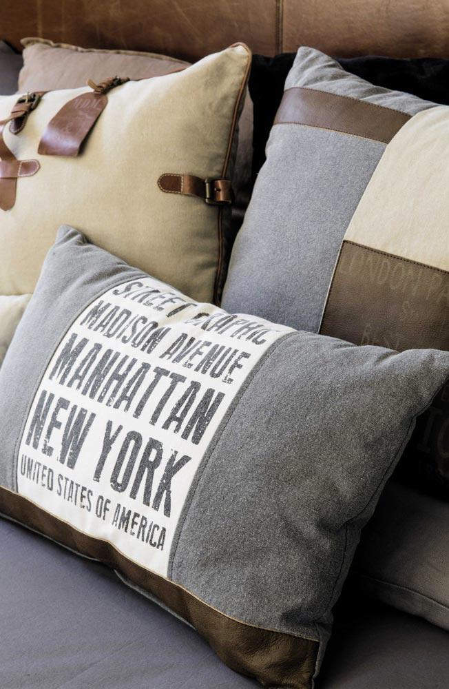Cuscino con scritta New York.