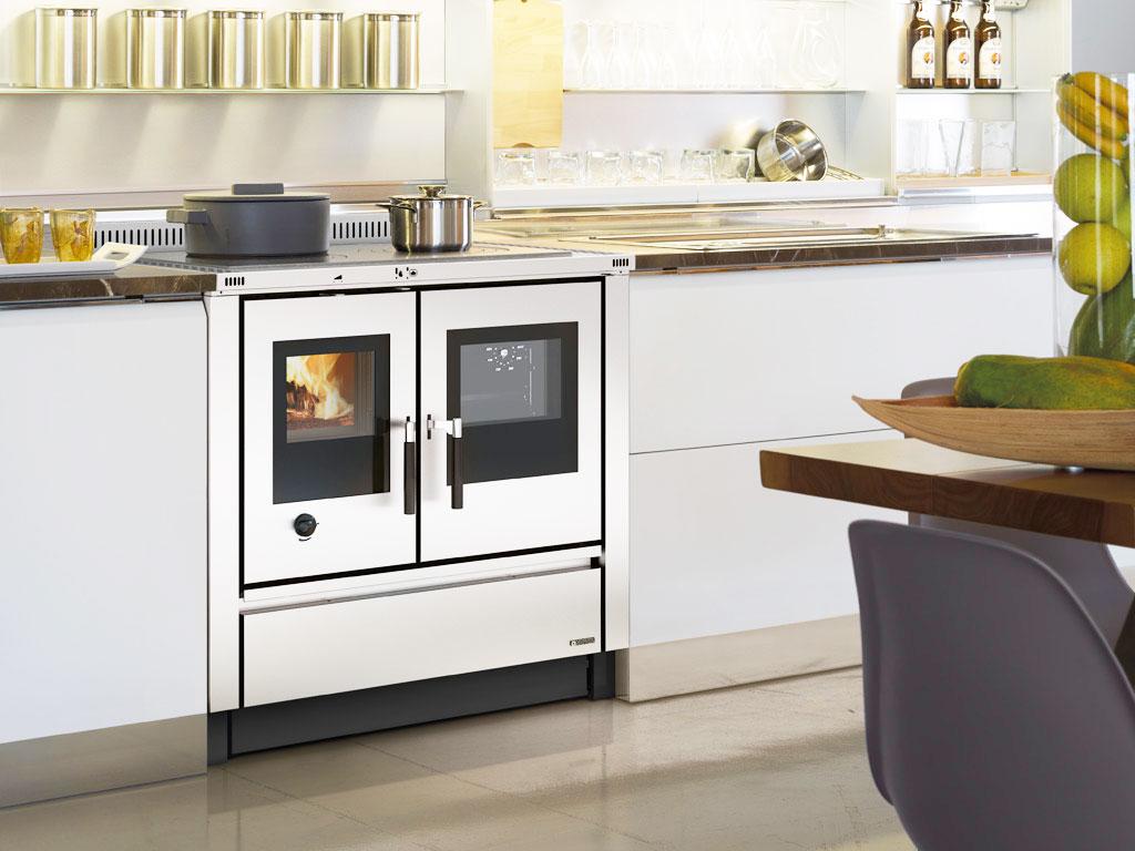 Cucine a legna moderne dalla tradizione al design - Stufe a legna moderne ...