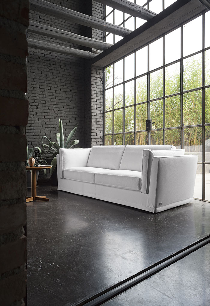 Elementi che distinguono una casa in stile factory: pavimenti, serramenti, colori e materiali.