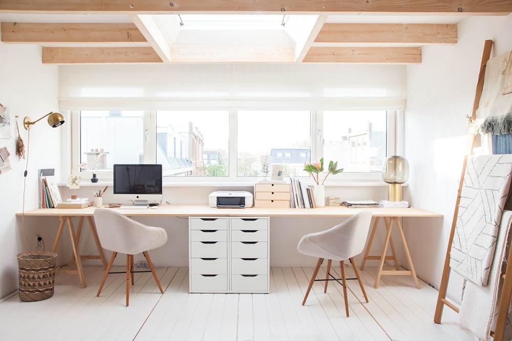 Lavorare da casa in due: progetto per la creazione di due scrivanie.