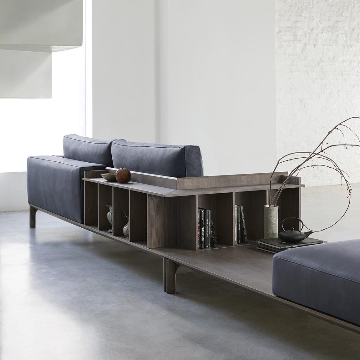 Un living attuale e pratico con i divani multifunzione - Un divano per dodici ...